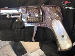Messina: sotterrata nel giardino, nascondeva una pistola rubata. 46enne arrestato dai Carabinieri