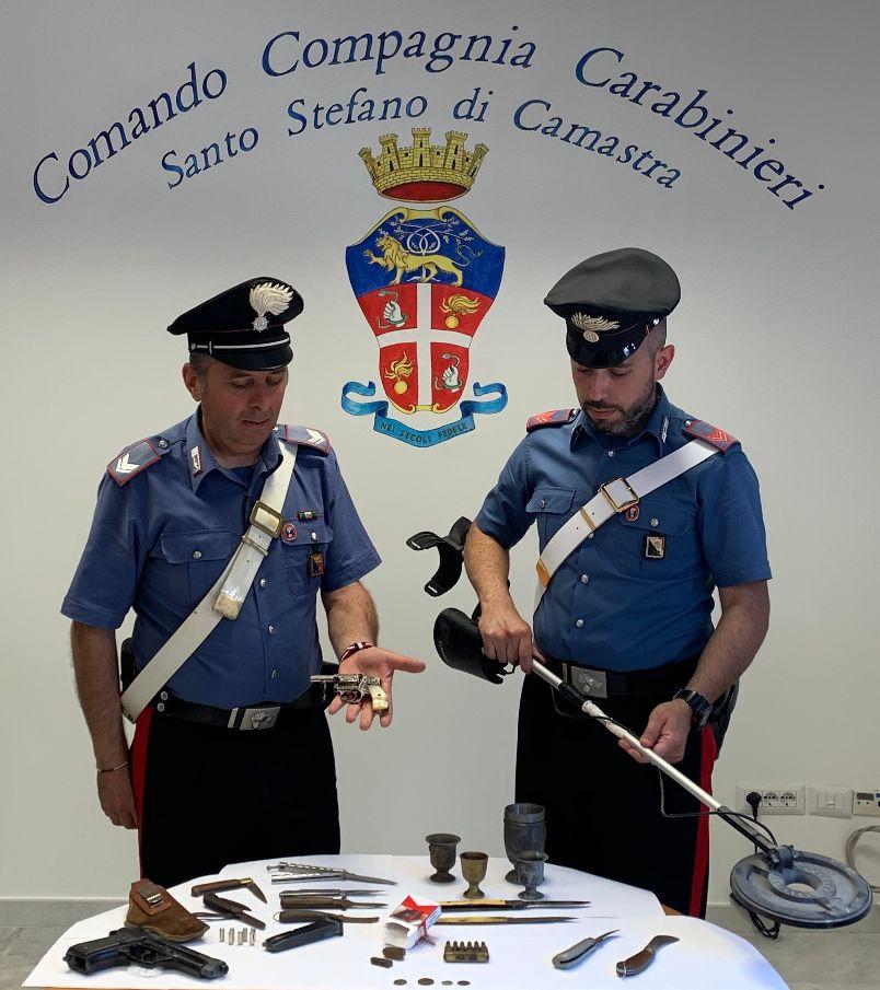 Caronia (Me): 38enne arrestato dai Carabinieri. Deteneva illegalmente un revolver e dell'hashish