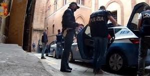 """Associazione per delinquere, tratta degli esseri umani, riduzione in schiavitù e sfruttamento della prostituzione nell´Operazione """"AGADEZ"""" della Polizia di Stato. 12 misure cautelari emesse in tutta Italia"""
